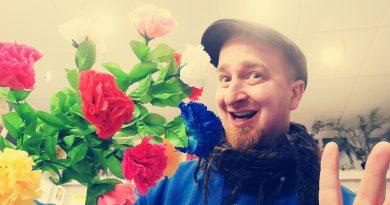 Über Klappblumen, Glitzerfolie und die Zukunft